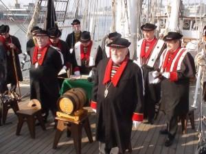 L'équipage des Bretvins accueille, sur la Loire, ses 3 nouveaux matelots...