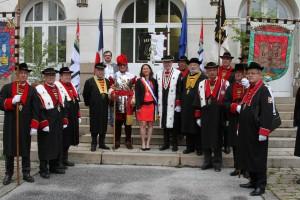 Johanna Rolland accueille les dignitaires dans sa mairie...