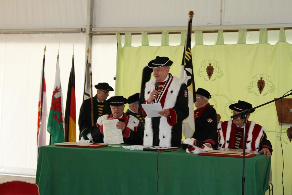 Claude Nicol préside la cérémonie des 70 ans...