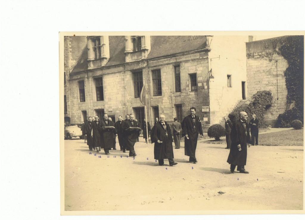 Un des 1ers défilés au cha^teau des Ducs de Nantes