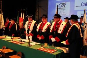 Claude Nicol entouré de nouveaux dignitaires...