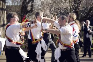 Les Morris Dancers...
