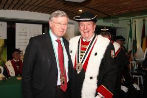 Claude Nicol heureux d'accueillir Claude d'Harcourt, préfet...